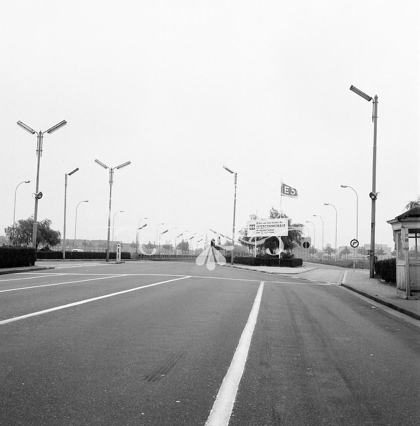 Juni 1965. Ingang van de Waaslandtunnel op linkeroever in Antwerpen.