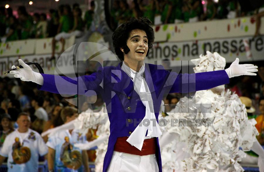RIO DE JANEIRO, RJ, 07 DE MARÇO DE 2011 - CARNAVAL RJ - UNIÃO DA ILHA - Integrantes da Escola de União da Ilha, se apresentam no Sambódromo da Marquês de Sapucaí, durante o segundo dia dos desfiles do Grupo Especial do Carnaval 2011, do Rio de Janeiro, na noite desta segunda-feira (7). (FOTO: VANESSA CARVALHO / NEWS FREE).