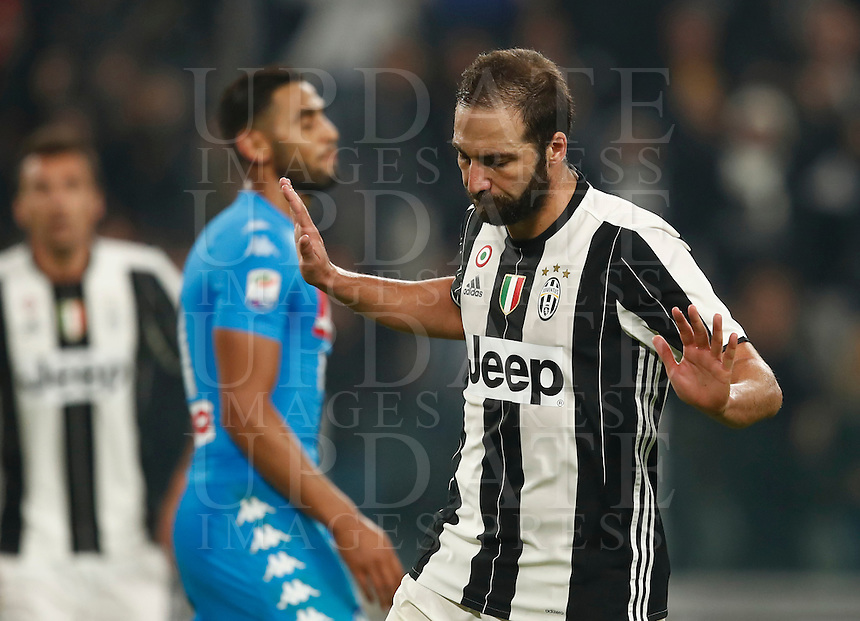 Calcio, Serie A: Juventus Stadium. Torino, Juventus Stadium, 29 ottobre 2016.<br /> Juventus' Gonzalo Higuain celebrates after scoring during the Italian Serie A football match between Juventus and Napoli at Turin's Juventus Stadium, 29 October 2016. Juventus won 2-1.<br /> UPDATE IMAGES PRESS/Isabella Bonotto