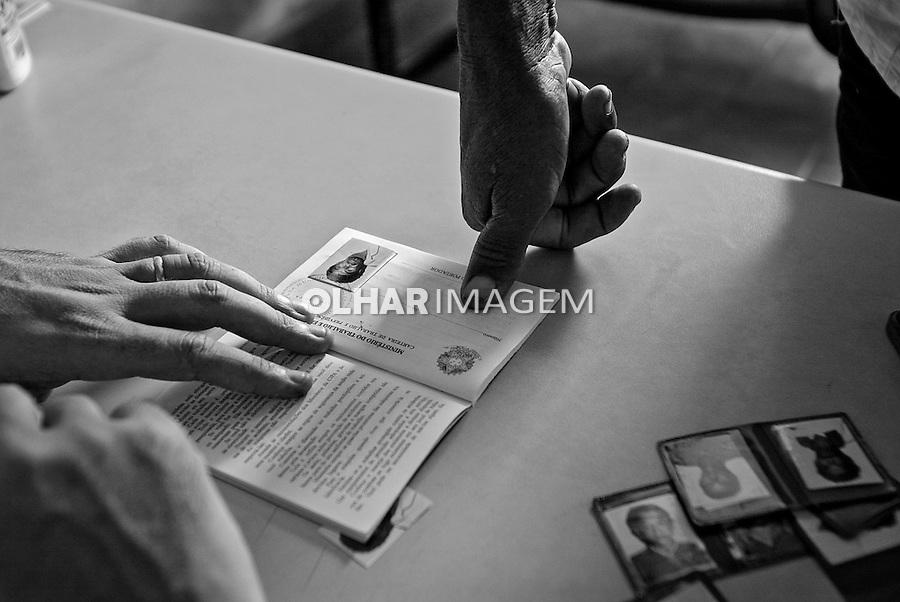 Fiscalizacao do Ministerio do Trabalho.Trabalho escravo nas fazendas Serra Morena e Serra Negra em Carutapera. Maranhao. 2005. Foto de Ubirajara Machado.