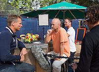 03-09-13,Netherlands, Alphen aan den Rijn,  TEAN, Tennis, Tean International Tennis Tournament 2013, Tean International ,   Press-conference Davis cup NED-AUT, Dutch captain Jan Siemerink is interviewed by Dutch television<br /> Photo: Henk Koster