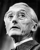 Scientist Jacques Cousteau<br /> . Engineers ... these people cannot tell you the truth<br /> <br /> <br /> Bezant, Graham<br /> Picture, 1976<br /> <br /> 1976<br /> <br /> PHOTO : Graham Bezant - Toronto Star Archives - AQP