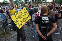 """Kundgebung gegen Polizeikontrollen im Goerlitzer Park in Berlin-Kreuzberg.<br />Ca. 150 Menschen protestierten am Donnerstag den 1. August 2013 in Berlin-Kreuzberg gegen die ihrer Meinung nach rassistischen Drogenkontrollen im Goerlitzer Park, bei denen die Polizei gezielt gegen Menschen mit dunkler Haut vorgeht. Dabei kommt es immer wieder zu rassistischen Ausfaellen von Seiten der Polizei und etliche Menschen wurden bei diesen Kontrollen von der Polizei verletzt. Drogen wurden bei den Kontrollen nur in geringem Masse beschagnahmt.<br />Menschen mit heller Haut werden von der Polizei nicht kontrolliert.<br />Die Kundgebungsteilnehmer forderten ein Ende dieses sog. """"Racial Profiling"""".<br />1.8.2013, Berlin<br />Copyright: Christian-Ditsch.de<br />[Inhaltsveraendernde Manipulation des Fotos nur nach ausdruecklicher Genehmigung des Fotografen. Vereinbarungen ueber Abtretung von Persoenlichkeitsrechten/Model Release der abgebildeten Person/Personen liegen nicht vor. NO MODEL RELEASE! Don't publish without copyright Christian-Ditsch.de, Veroeffentlichung nur mit Fotografennennung, sowie gegen Honorar, MwSt. und Beleg. Konto:, I N G - D i B a, IBAN DE58500105175400192269, BIC INGDDEFFXXX, Kontakt: post@christian-ditsch.de<br />Urhebervermerk wird gemaess Paragraph 13 UHG verlangt.]"""