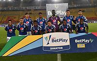 BOGOTA - COLOMBIA, 27-11-2020: Jugadores de Millonarios F. C. posan para una foto, antes de durante partido entre Millonarios F. C. y Once Caldas de la fecha 1 por la Liguilla BetPlay DIMAYOR 2020 jugado en el estadio Nemesio Camacho El Campin de la ciudad de Bogota. / Players of Millonarios F. C. pose for a photo, prior a match between Millonarios F. C. and Once Caldas of the 1st date for the BetPlay DIMAYOR 2020 Liguilla played at the Nemesio Camacho El Campin Stadium in Bogota city. / Photo: VizzorImage / Luis Ramirez / Staff.