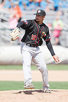 Brandon Hinkle (10) of the Vancouver Canadians delivers a pitch during a game against the Everett Aquasox at Everett Memorial Stadium in Everett, Washington on July 28, 2015.  Everett defeated Vancouver 8-5. (Ronnie Allen/Four Seam Images)