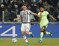 Calcio, Champions League: Gruppo D - Juventus vs Manchester City. Torino, Juventus Stadium, 25 novembre 2015. <br /> Juventus' Stephan Lichsteiner, left, is challenged by Manchester City's Gael Clichy during the Group D Champions League football match between Juventus and Manchester City at Turin's Juventus Stadium, 25 November 2015. <br /> UPDATE IMAGES PRESS/Isabella Bonotto