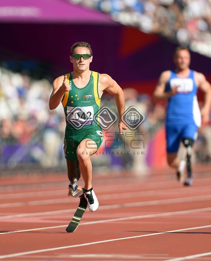 Scott Reardon  (AUS)  heats<br /> Athletics : Men's 200m <br /> Olympic Stadium (Friday 7 Sept)<br /> Paralympics - Summer / London 2012<br /> London England 29 Aug - 9 Sept <br /> © Sport the library / Jeff Crow