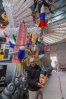 """Europe, Italy, Tuscany, Viareggio, Fabrizio Galli, presents a chariot entitled the peace of crystal. The inspiration came from the nuclear, from its awakening, from the arms race. A large overturned dove resting on an atomic mushroom brings kim jong-un surrounded by the """"big"""" of the earth: Putin Tramp and xi jnping"""