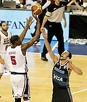 USA's Kevin Durant (l) and Argentina's Emanuel Ginobili during friendly match.July 22,2012. (ALTERPHOTOS/Acero)