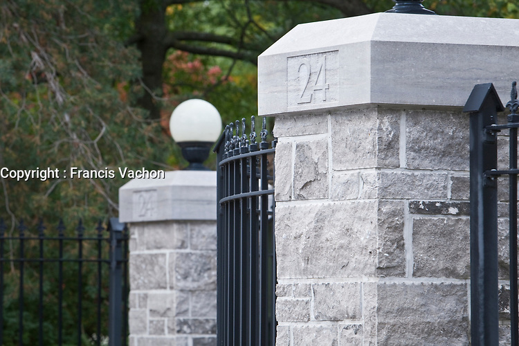 Front gate of 24 Sussex Drive is pictured in Ottawa Wednesday September 29, 2010. 24 Sussex Drive is the official residence of the Prime Minister of Canada, located in the New Edinburgh neighbourhood of Ottawa, Ontario.<br /> <br /> PHOTO :  Francis Vachon - Agence Quebec Presse
