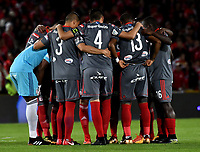BOGOTA - COLOMBIA - 23 - 01 - 2018: Los jugadores de America de Cali, durante partido entre America de Cali y Deportivo Cali, por el Torneo Fox Sports 2018, jugado en el estadio Nemesio Camacho El Campin de la ciudad de Bogota. / The players of America de Cali, during a match between America de Cali y Deportivo Cali, for the Fox Sports Tournament 2018, played at the Nemesio Camacho El Campin stadium in the city of Bogota. Photo: VizzorImage / Luis Ramirez / Staff.