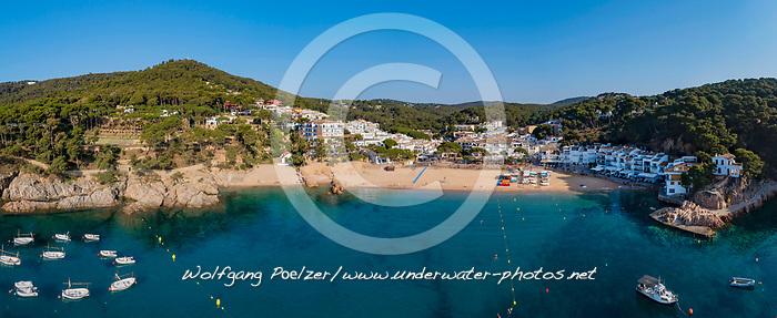 Luftaufnahme vom Strand in Tamariu, Costa Brava, Spanien, Mittelmeer / Aerial View from Beach in Tamariu, Costa Brava, Spain Mediterranean Sea