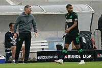 Trainer Jan Zimmermann (Hannover 96) und Linton Maina (Hannover 96)<br /> <br /> - 28.08.2021 Fussball 2. Bundesliga, Saison 21/22, SV Darmstadt 98 vs Hannover 96, Stadion am Boellenfalltor, emonline, emspor, <br /> <br /> Foto: Marc Schueler/Sportpics.de<br /> Nur für journalistische Zwecke. Only for editorial use. (DFL/DFB REGULATIONS PROHIBIT ANY USE OF PHOTOGRAPHS as IMAGE SEQUENCES and/or QUASI-VIDEO)
