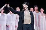 ROMEO ET JULIETTE<br /> <br /> SYMPHONIE DRAMATIQUE I DRAMATIC SYMPHONY<br /> MUSIQUE I MUSIC Hector Berlioz<br /> (Symphonle dramatique, op. 17, 1839)<br /> TEXTE I TEXT Émile Deschamps<br /> D'APRES I AFTER William Shakespeare<br /> CHOREGRAPHIE I CHOREOGRAPHY Sasha Waltz (2007)<br /> DÉCORS I SET DESIGN<br /> Pia Maler-Schriever, Thomas Schenk et Sasha Waltz<br /> COSTUMES I COSTUME DESIGN Bernd Skodzig<br /> LUMIERESI LIGHTING DESIGN David Finn<br /> RÉPETITIONS I REHEARSALS<br /> Luc Dunberry. Renate Grazladei, Juan Kruz Diaz de Garaio Esnaola<br /> MEZZO-SOPRANO Julie Boulianne<br /> TENOR Yann Beuron<br /> BASSE Nicolas Cavallier<br /> JULIETTE Ludmila Pagliero<br /> ROMÉO Germain Louvet<br /> PERE LAURENCE Alessio Carbone<br /> et<br /> Marie-Solène Boulet, Charline Gilezendanner, Fanny Gorse, Sabrina Mallem, Silvia Saint-Martin, Pauline Verdusen, Camille Bon, Jennifer Visocchi, Gwenaëlle Vauthier, Mallory Gaudion, Cyril Mitilian, Simon Valastro, Adrien Bodet, Mathleu Contat, Julien Cozette, Axel Magliano, Julien Guillemard, Isaac Lopes-Gomes, Antonin Monié<br /> <br /> Ballet créé par le Ballet de l'Opéra national de Paris le 5 octobre 2007<br /> Ballet created by the National Paris Opera on October 5th 2007