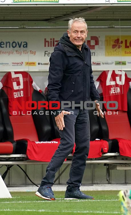 17.10.2020, Schwarzwald Stadion, Freiburg, GER, 1.FBL, SC Freiburg vs SV Werder Bremen<br /> <br /> im Bild / picture shows<br /> Trainer Christian Streich (Freiburg)<br /> <br /> Foto © nordphoto / Bratic<br /> <br /> DFL REGULATIONS PROHIBIT ANY USE OF PHOTOGRAPHS AS IMAGE SEQUENCES AND/OR QUASI-VIDEO.