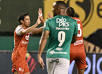 PALMIRA - COLOMBIA, 19-10-2020: Fabian Sambueza del Santa Fe celebra después de anotar el primer gol de su equipo durante partido entre Deportivo Cali e Independiente Santa Fe por la fecha 15 de la Liga BetPlay DIMAYOR I 2020 jugado en el estadio Deportivo Cali de la ciudad de Palmira. / Fabian Sambueza player of Santa Fe celebrates after scoring the first goal of his team during match between Deportivo Cali and Independiente Santa Fe for the date 15 as part of BetPlay DIMAYOR League I 2020 played at Deportivo Cali stadium in Palmira city.  Photo: VizzorImage / Gabriel Aponte / Staff