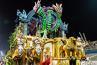 SÃO PAULO, SP, 09.03.2019 - CARNAVAL-SP - Integrante da escola de samba Império de Casa Verde durante Desfile das campeãs do Carnaval de São Paulo, no Sambódromo do Anhembi em Sao Paulo, na madrugada deste sábado, 09. (Foto: Anderson Lira/Brazil Photo Press)