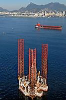 Plataforma de perfuracão de petróleo da Petrobrás. Rio de Janeiro. 2009. Foto de Renata Mello.