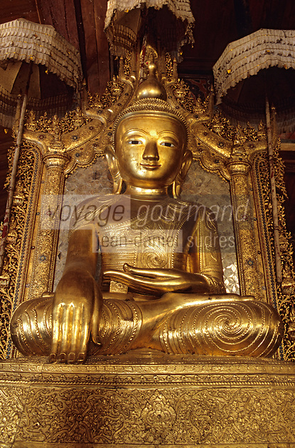"Asie/Birmanie/Myanmar/Ywathit: Lac Inle - Monastère de ""Nga Phe Chaung"" - Statue de Bouddha"