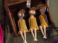 Puppen im Laden Alter Provisor, Bergstr. 12, Celle, Niedersachsen, Deutschland, Europa<br /> dolls in shop Alter Provisor, Berg St 12, Celle, Lower Saxony, Germany, Europe