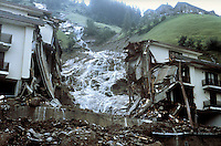 - Valtellina, condominium collapsed in Tartano as  result of the exceptional rains and landslides (July 1987)....- Valtellina, crollo del condominio di Tartano a seguito delle pioggie eccezionali e delle frane (luglio 1987)