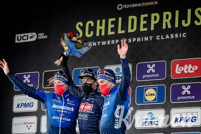Jasper Philipsen (BEL/Alpecin-Fenix) wins the 2021 Scheldeprijs ahead of Sam Bennett (IRE/Deceuninck - Quick Step) & Mark Cavendish (GBR/Deceuninck - Quick Step)<br /> <br /> 109th Scheldeprijs 2021 (ME/1.Pro)<br /> 1 day race from Terneuzen (NED) to Schoten (BEL): 194km<br /> <br /> ©kramon