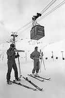 - Svizzera, stazione sciistica di Klosters, funivia Parsenhütte (Gennaio 1986)<br /> <br /> - Switzerland, Klosters ski resort, Parsenhütte cableway (January 1986)