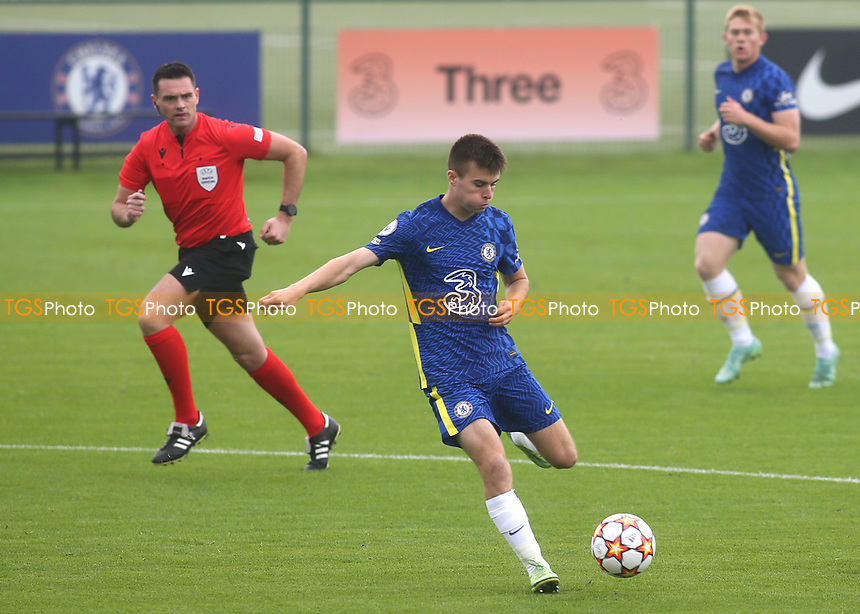 Ronnie Stutter of Chelsea U19's in action during Chelsea Under-19 vs FC Zenit Under-19, UEFA Youth League Football at Cobham Training Ground on 14th September 2021