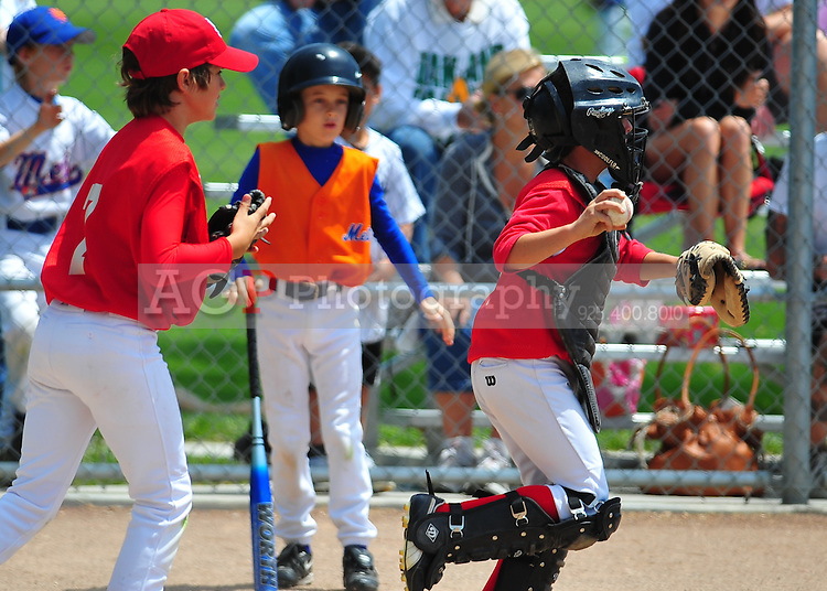 The PNLL AAA Cardinals at the Pleasanton Sports Park May 8, 2010. (Photo by Alan Greth)