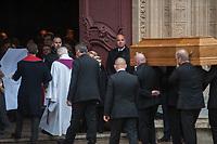 JEROME BOCUSE EN LARME DEVANT LE CERCUEL DE SON PERE - OBSEQUES DE PAUL BOCUSE A LYON