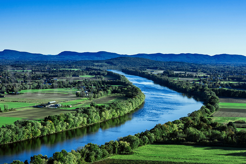 The Connecticut River winds through fertile farmland, Massachusetts, USA.