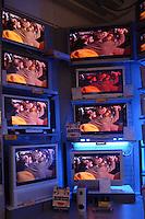 Supermercato Coop. Coop supermarket..Vendita di televisori. Sales of televisions. Digitale terrestre. Digital terrestrial......
