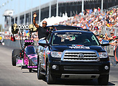 NHRA Mello Yello Drag Racing Series<br /> AAA Insurance NHRA Midwest Nationals<br /> Gateway Motorsports Park, Madison, IL USA<br /> Sunday 1 October 2017 Antron Brown, Matco Tools, top fuel dragster, support vehicle, Sequoia<br /> <br /> World Copyright: Mark Rebilas<br /> Rebilas Photo