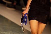 PORTO, PORTUGAL, 24.10.2014 - FASHION WEEK PORTUGAL - Modelo desfila para Spring / Summer 2015 criação do designer Português Luís Onofre durante a edição 35rd de Portugal Fashion Week, na Alfândega do Porto, Portugal, em 24 de outubro de 2014 (Foto: Pedro Lopes/ Brazil Photo Press).