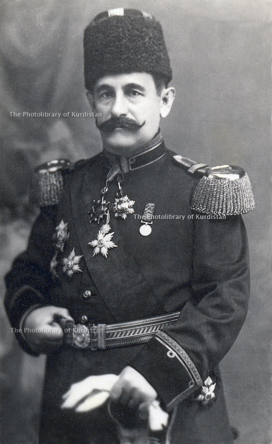 Turkey 1910? .Mustafa Pacha Yamulki, officer of the Ottoman army, head of the military court in Turkey, later publisher and minister of Education in Sheikh Mahmoud's government    .Turquie 1910?  .Mustafa Pacha Yamulki, officier de l'armée ottomane, responsable du tribunal militaire en Turquie, sera editeur puis ministre de l'Education dans le gouvernement de Sheikh Mahmoud