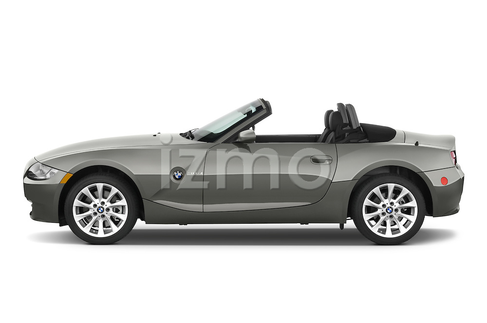 Driver side profile view of a 2008 BMW Z4 Roadster.