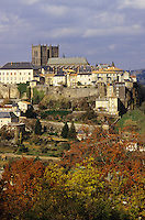 France/15/Cantal/Saint Flour: Ville haute et cathédrale