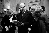 FILE -  Le maire Jean Drapeau remet le prix de la Ville de Montreal a Marie Gelas, le 5 mars 1974<br /> <br /> Photo : Alain Renaud - Agence Quebec Presse