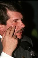 Re-election du chef du RCM Jean Dore, a la mairie de Montreal, le 4 novembre 1990<br /> <br /> PHOTO D'ARCHIVE : Agence Quebec Presse