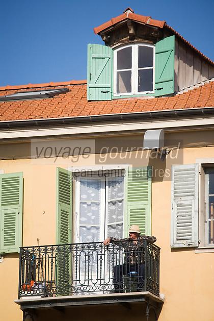 Europe/France/06/Alpes-Maritimes/Nice: A la terrasse d'une maison de la Place Masséna [Non destiné à un usage publicitaire - Not intended for an advertising use]