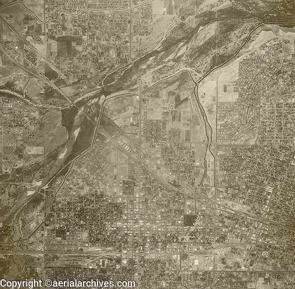 historical aerial photograph Bakersfield, Kern County, California, 1952
