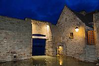 France, Manche (50), Baie du Mont-Saint-Michel, classée Patrimoine Mondial de l'UNESCO, le Mont Saint Michel, la porte à marée haute // France, Manche, Bay of Mont Saint Michel, listed as World Heritage by UNESCO, Mont Saint Michel, the gate at high tide
