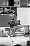BERNARDO BERTOLUCCI A PIAZZA DEL POPOLO ROMA 1981