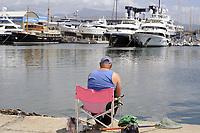 - Viareggio (Toscana), approdo dei pescherecci, sullo sfondo i cantieri navali<br /> <br /> - Viareggio (Tuscany), landing place of fishing boats, in the background the shipyards