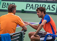 Moscow, Russia, 14 th July, 2016, Tennis,  Davis Cup Russia-Netherlands, Dutch team practise, Captain Jan Siemerink in consultation with Robin Haase (R)<br /> Photo: Henk Koster/tennisimages.com