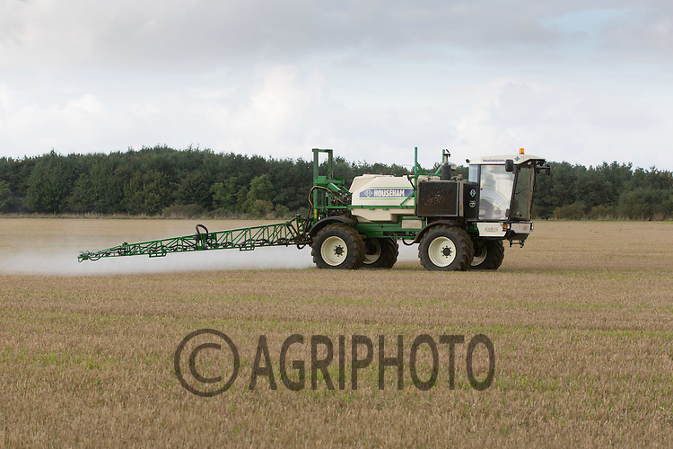Spraying roundup on stubble <br /> Picture Tim Scrivener 07850 303986<br /> ….covering agriculture in the UK….