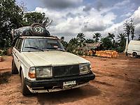 Trasporto clandestino di benzina Oil transportation Traffico illegale benzina dalla Nigeria al Benin