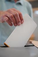 Stimmabgabe (Hans Simon) - Griesheim 26.09.2021: Bundestagswahl 2021