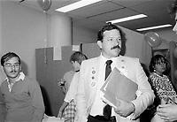le Ministre Jacques Brassard au lancement de l'OTEQ : Organisation pour le Tourisme Etudiant au Quebec, le 8 aout 1985<br /> <br /> PHOTO : Agence Quebec Presse <br /> <br /> <br /> <br /> <br /> <br /> PHOTO :   Agence Quebec Presse
