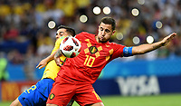 KAZAN - RUSIA, 06-07-2018: FAGNER (Izq) jugador de Brasil disputa el balón con Eden HAZARD (C) (Der) jugador de Bélgica durante partido de cuartos de final por la Copa Mundial de la FIFA Rusia 2018 jugado en el estadio Kazan Arena en Kazán, Rusia. / FAGNER (L) player of Brazil fights the ball with Eden HAZARD (C) (R) player of Belgium during match of quarter final for the FIFA World Cup Russia 2018 played at Kazan Arena stadium in Kazan, Russia. Photo: VizzorImage / Julian Medina / Cont